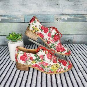 Shoe Dazzle Floral Material Oxford Shoes 8 1/2